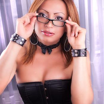 TS Lauren sexy Porträt mit Brille